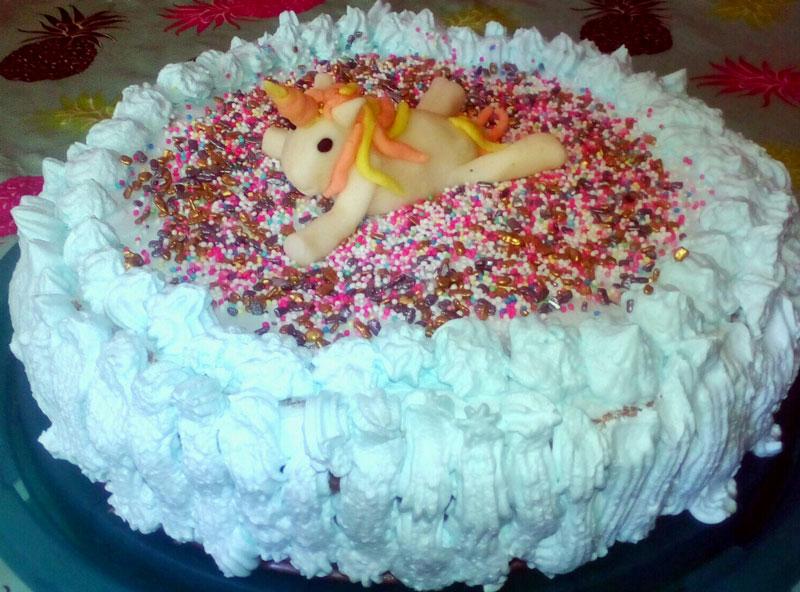 Darinova torta s jednorogom